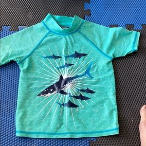 Shark rash guard size 4T